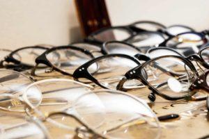 メガネおうさか 店内 ごだわりの品揃え